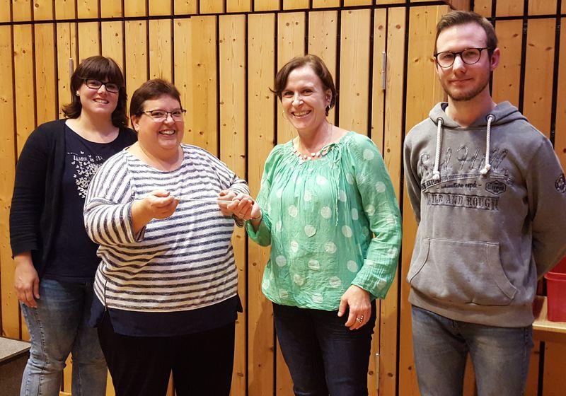Neue Jugenddirigentin Katja Erb übergibt den Taktstock an Birgit Stassen
